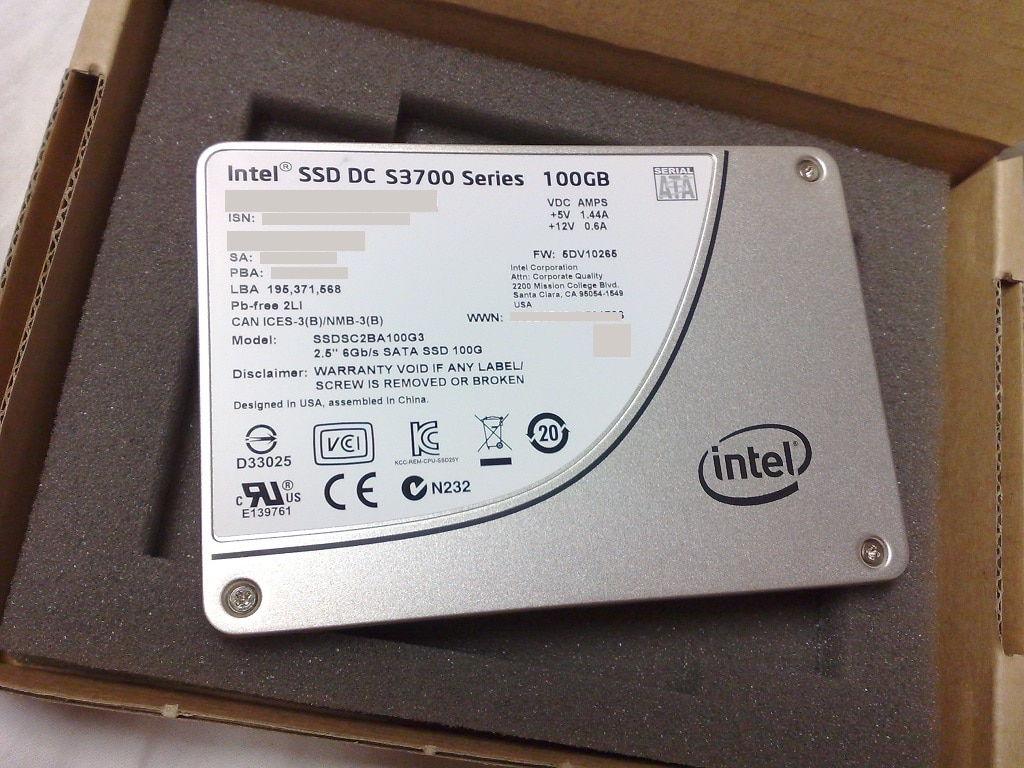 An SSD, in form of a 2.5-inch bay device that uses Serial ATA (SATA) interface.